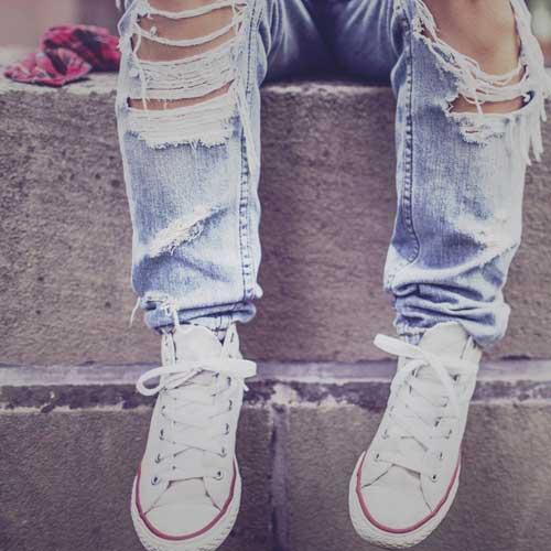 Des id es pour rapi cer et personnaliser un pantalon avec des renforts thermocollants - Comment reparer un jean troue au genou ...