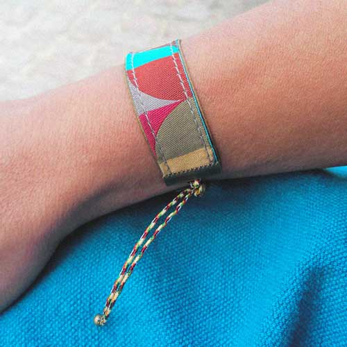 Bracelet ruban ajustable