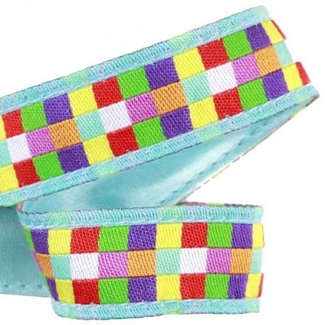Ruban Mosaïque carrés multicolores fond bleu