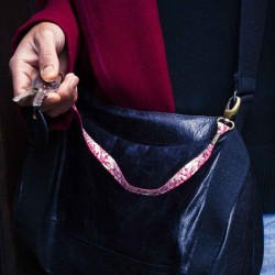 Lanière mousqueton porte-clefs / Antivol sac toile Jouy Les Délices bordeaux