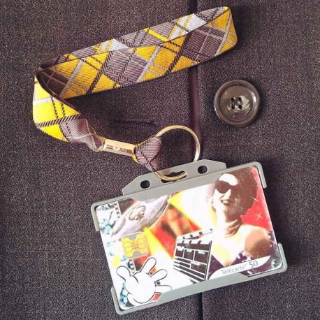 Dragonne porte carte / badge Écossais gris et jaune