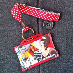 Dragonne porte carte / badge Pois Rayures rouge et noir