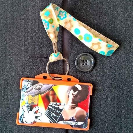Dragonne porte carte / badge fleurs Pavot turquoise et beige