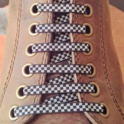 Lacets chaussures Carreaux gris et noir 130cm