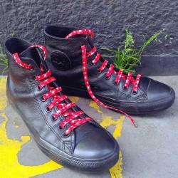Lacets chaussures Fleurs rouge 130cm