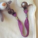 Attache-doudou/serviette Pied de poule violet