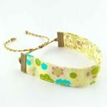 Bracelet ruban fleurs beige