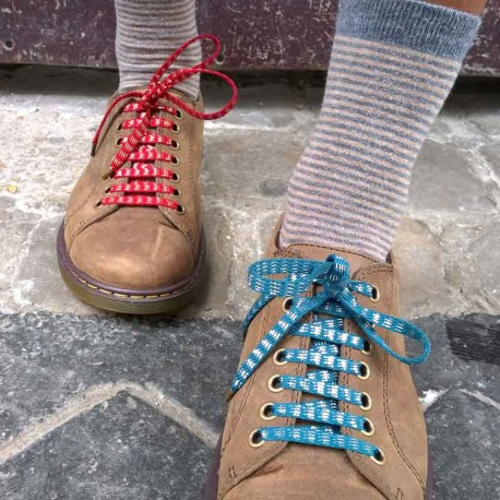 lacets-chaussures-rayures-bleu-lurex