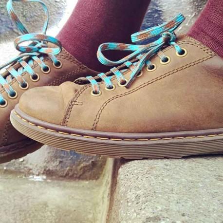 lacet-chaussure-pied-poule-bleu